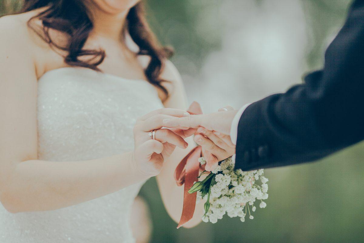 Choisir une alliance de mariage